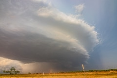 May 7 2020 severe thunderstorm supercell near Quanah Texas - Tornado Tour StormWind
